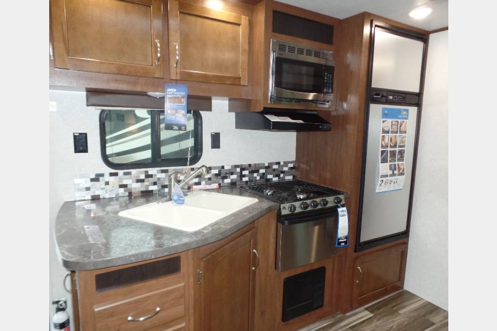 2017 Jayco 32 TSBH (Triple Slide Bunk House) - Low Country Land Yacht