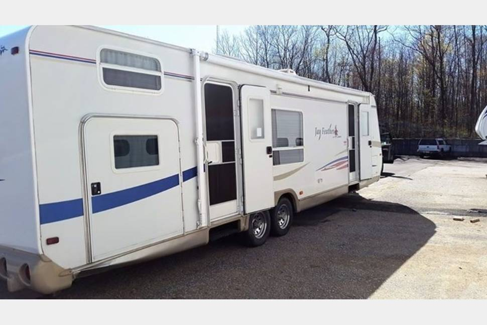 2007 Jayco Jay Feather - Quad Bunkhouse with Master and Slide-out