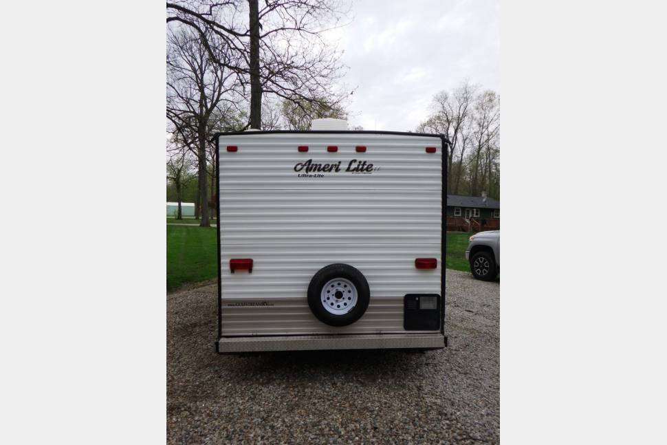 2014 Gulfsteram Amerilite - Great easy to tow Family Camper, Low Deposit, & Delivery Available!
