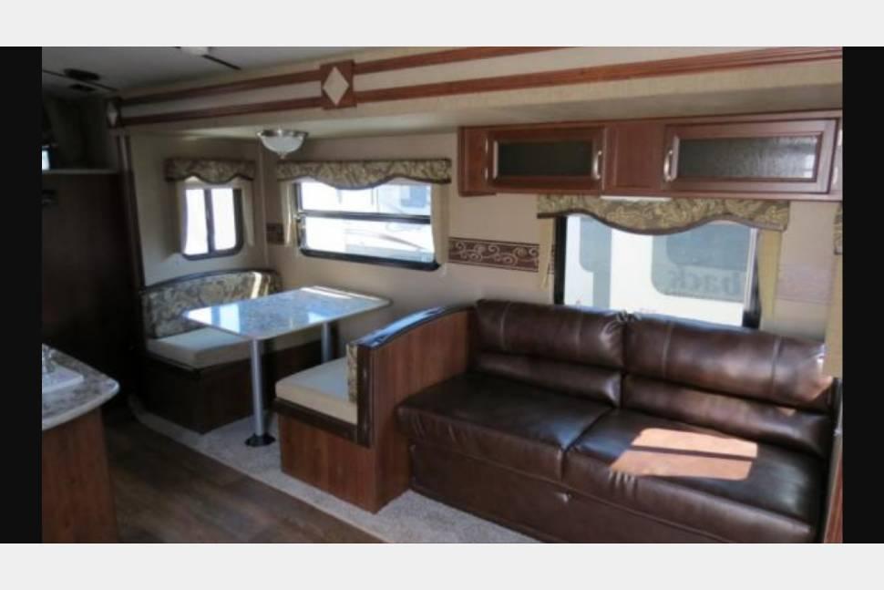 2015 KEYSTONE OUTBACK 299TBH - The Ochoa Lodge