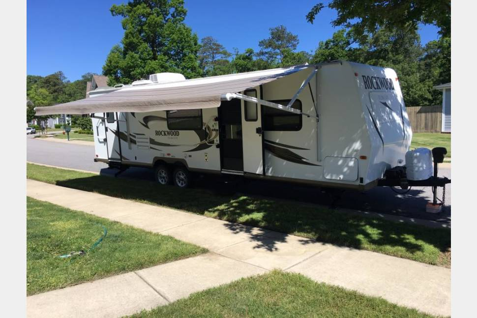 2012 Rockwood Ultra Lite 2702SS - The Oz Wagon - Perfect family camping machine