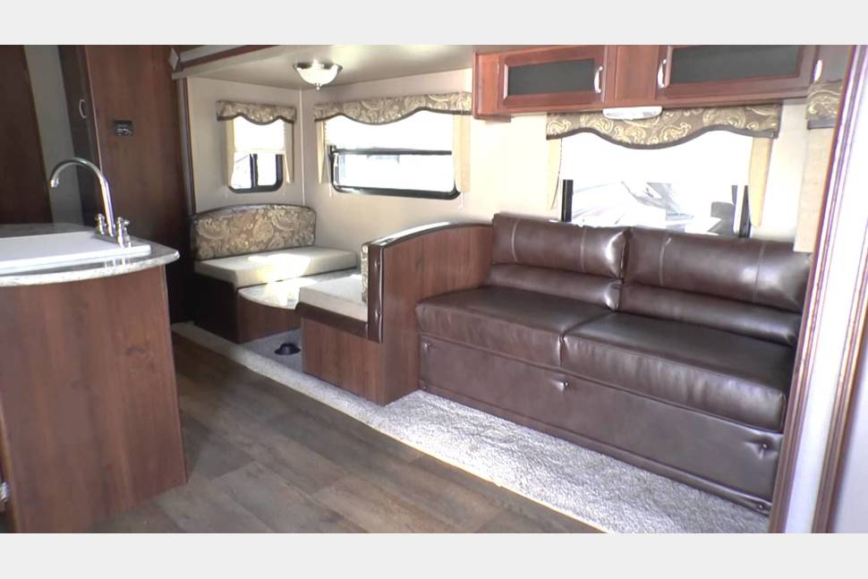2015 Outback Terrain 265TRB - Beautiful Fully Equipped Home Away from Home