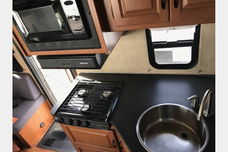 2012 Mejestic 23A Grizzly 3 - The Ultimate family RV Road Grizzly 3