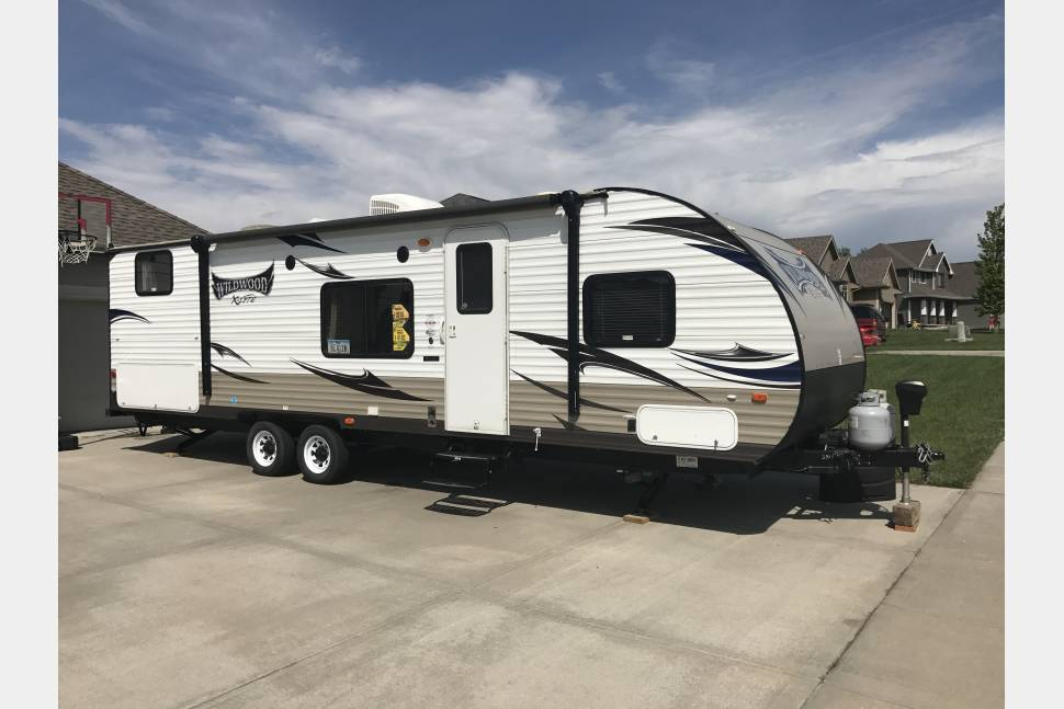 2015 Forrest River Wildwood - The Perfect Family Memory-Maker Camper - all the comforts of home!