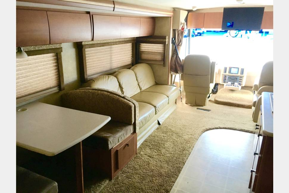 2008 Winnebago Sightseer 35J - 2008 SIGHTSEER TRAVEL EXPERIENCE
