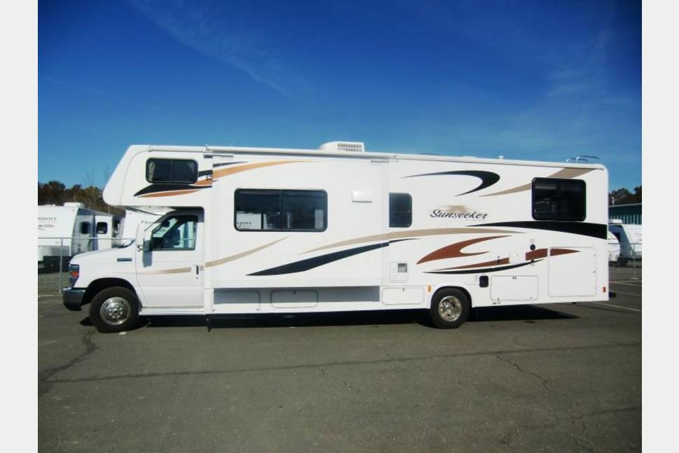 2012 Ready For Your Next Adventure - Easy to drive Forrest River MotorHome