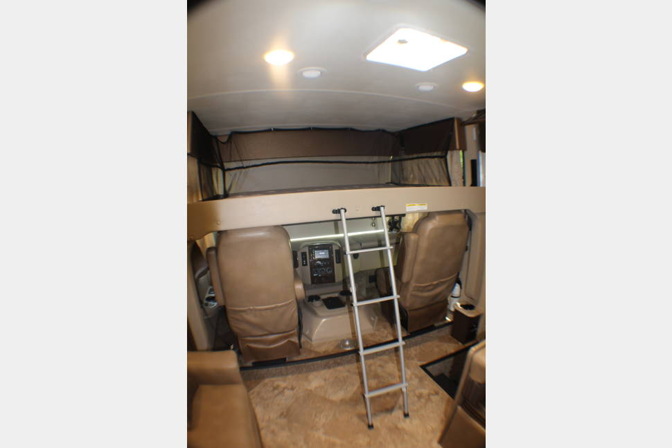 2017 Thor Windsport - Harvey The RV