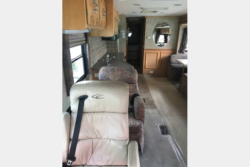2004 COACHMAN CROSS COUNTRY DIESEL PUSHER NICK NAME (STEVIE) - GORGEOUS 37 DIESEL PUSHER 2 SLIDE OUT AIR RIDE 20 MPG NICK NAME(STEVIE)