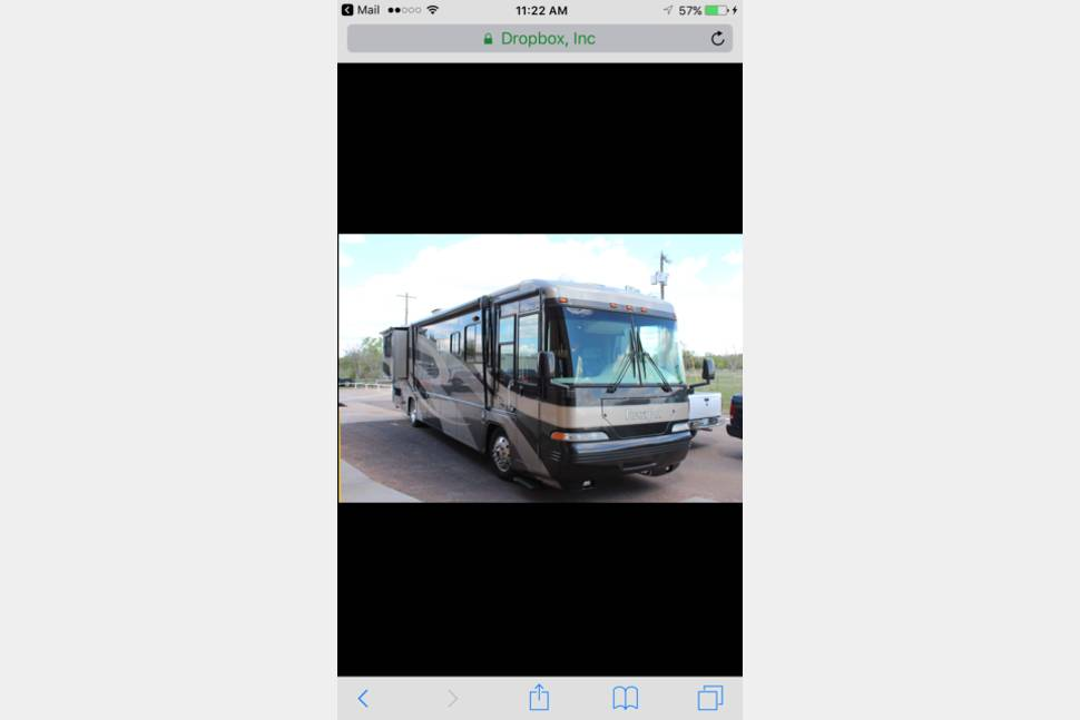 2003 Damon Escaper - Extremely Clean 2003 Damon Escaper 40 foot diesel pusher with Out Door Big Screen!!!