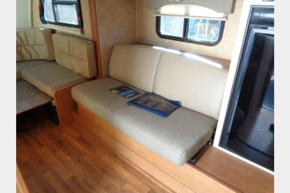 2011 Mpg - Great , lightweight trailer