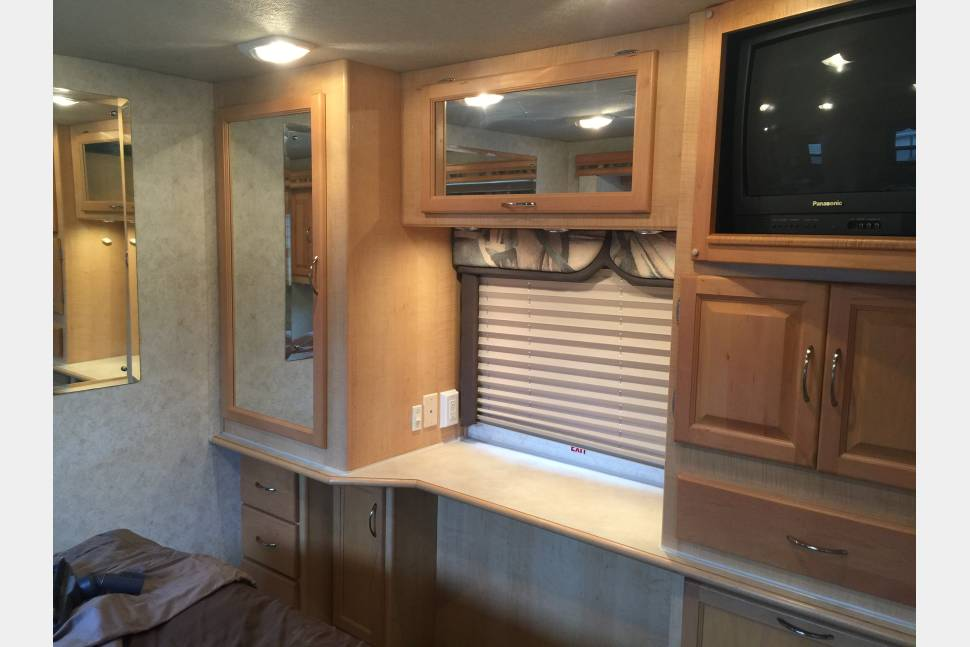2002 Fleetwood Southwind - 2002 Fleetwood Southwind with 2 slides!