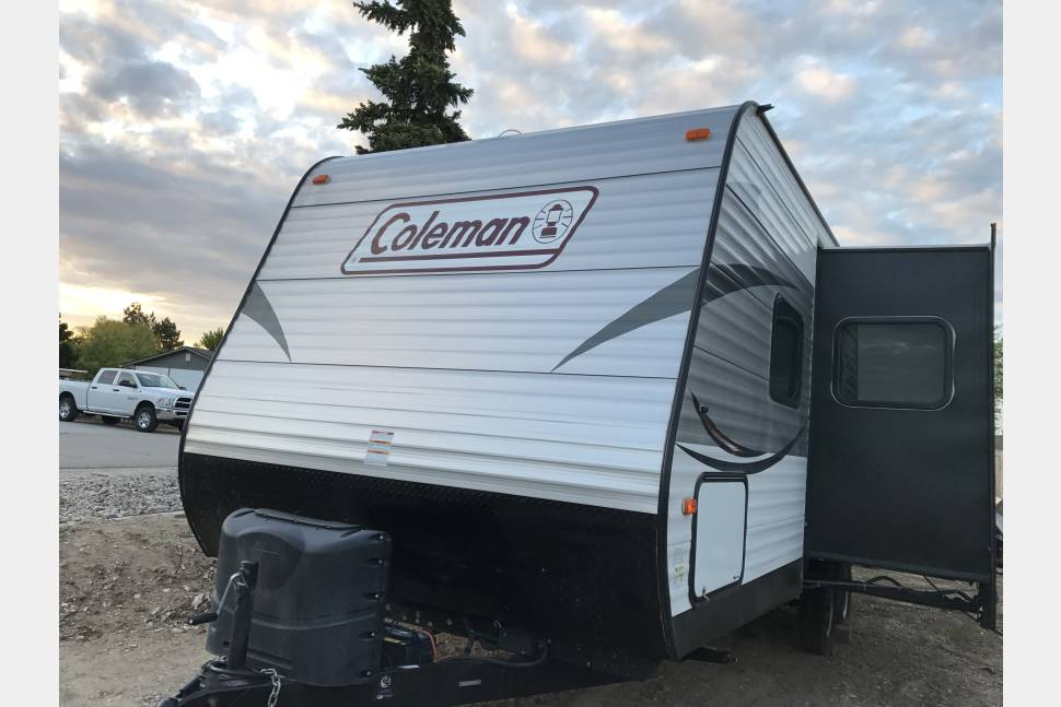 2017 Coleman Dutchmen Lantern Addition - Perfect Camper for a perfect trip!