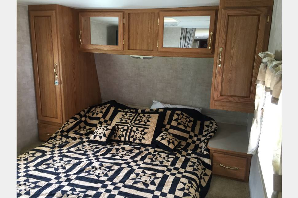 2005 Fleetwood Pioneer - A home away from home