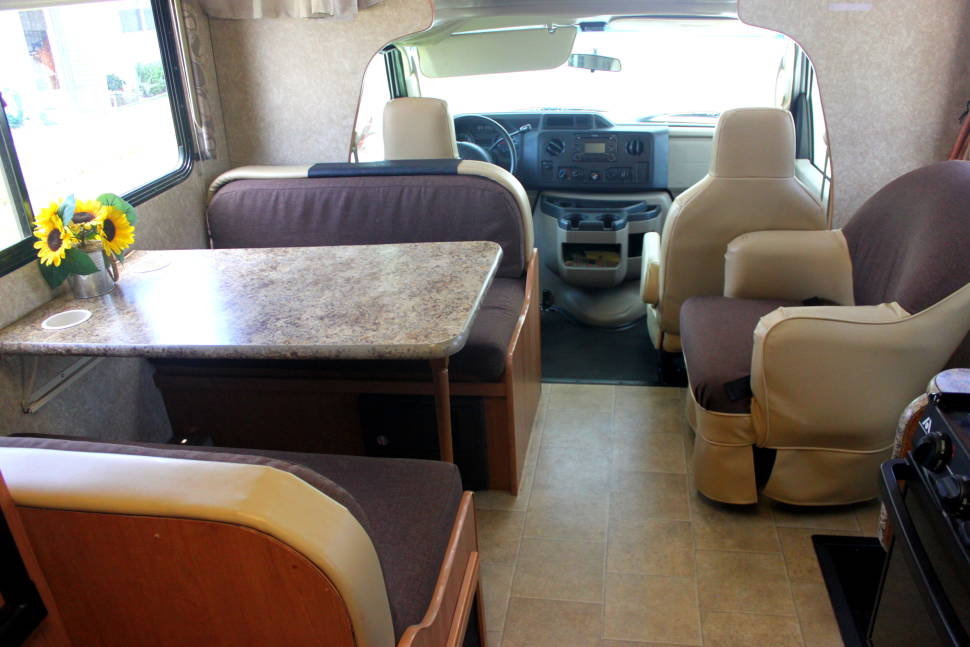 2010 Ford E350 Four Winds - Home Away from Home
