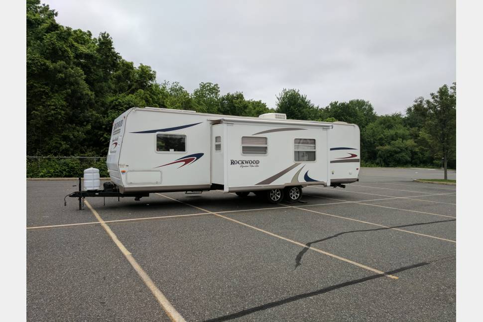 2008 Rockwood Utralite Delivery To Your Campsite Option Available - Great deals available! We offer delivery and set-up as well! More days equals bigger discounts! Message or call today! We'd love to earn your business! !