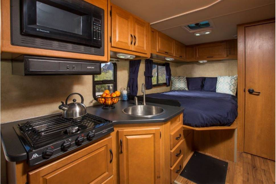 2012 THOR MAJESTIC 23 - Ultimate Weekender New and Immaculate Clean