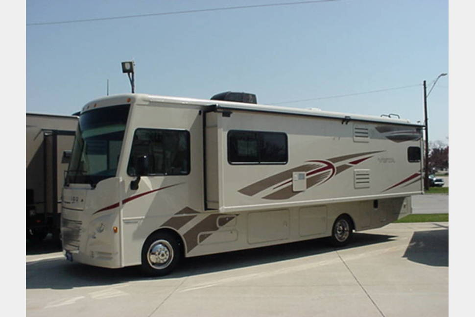 2017 Winnebago Vista - Great RV for a Family Vacation or weekend get-a-way
