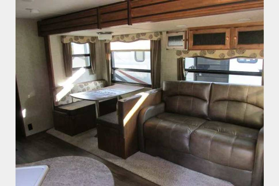2016 Keystone Sprinter Campfire Edition Bunkhouse - RV on Your Next Trip!!!