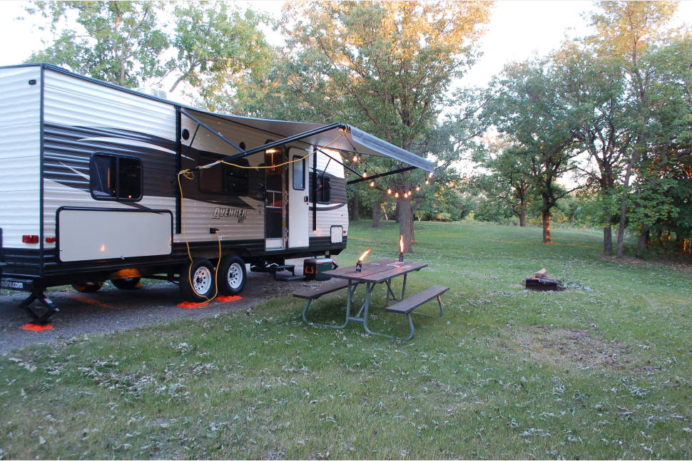 2017 Prime Time Avenger ATI 26BK - Terrific Family Travel Trailer With Outdoor Kitchen