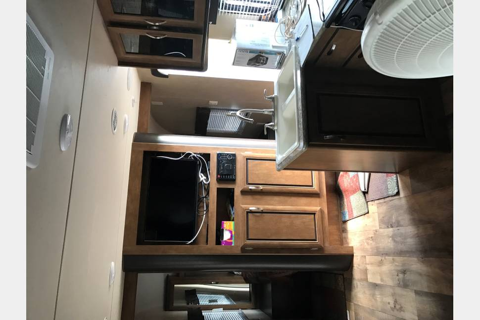 2016 Forest River Salem Cruise Light - Great Times Ahead! 28' Travel Trailer sleep 7-8