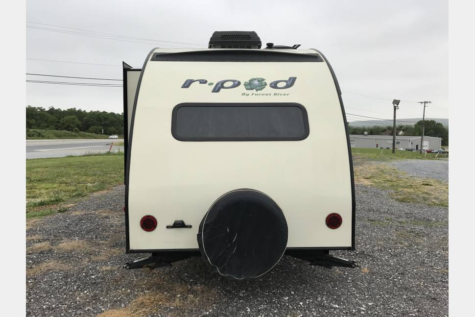2015 Forest River R Pod 177 - 17' Lightweight R Pod wSlide Pet Friendly