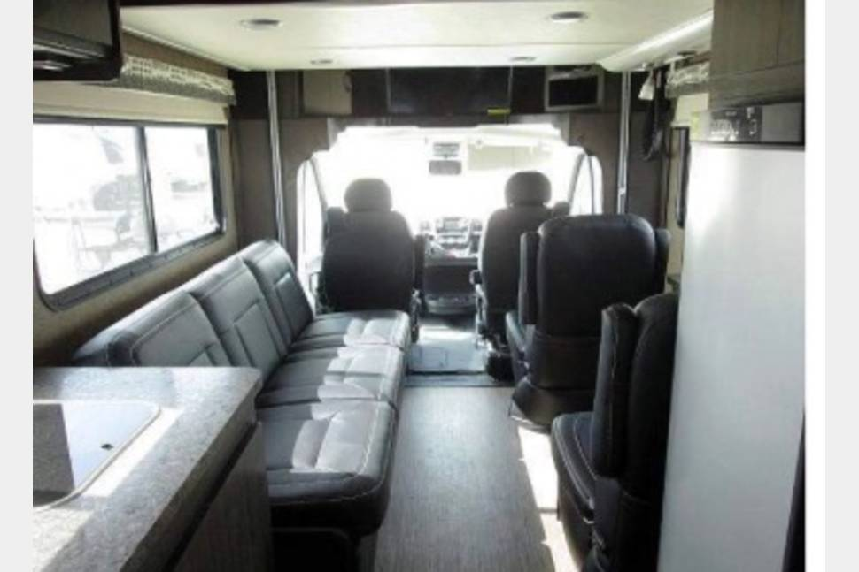 2016 Coachmen Orion Class B + -