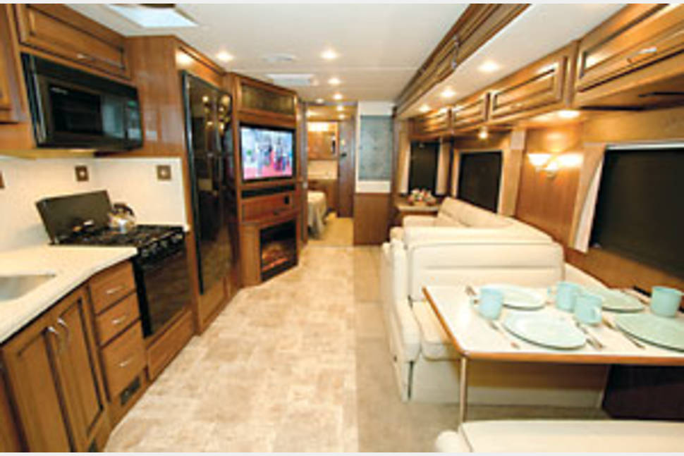 2012 Fleetwood Bounder 35K - Home Away From Home!