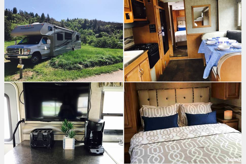 2016 Winnebego - Minnie Winnie - GORGEOUS, FAMILY-FRIENDLY, FULLY-EQUIPPED, 2016 WINNEBAGO - READY-TO-GO FOR YOUR VACATION!
