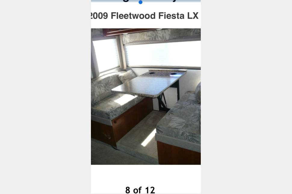 2009 Fleet Wood Fiesta - Amazing RV !