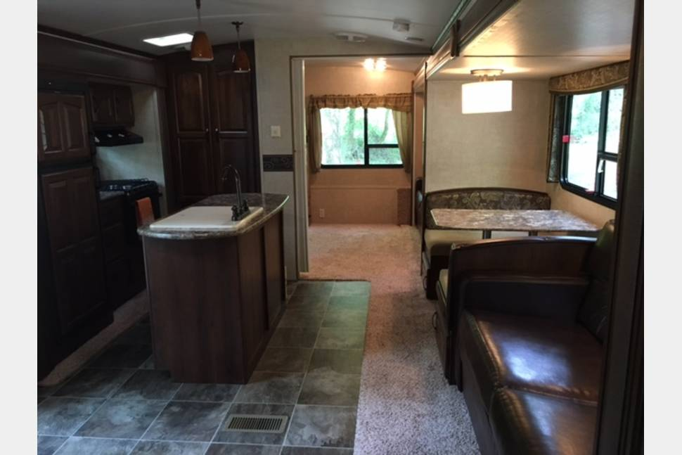 2014 Keystone Outback Bunkhouse - 2014 Keystone Outback Bunkhouse- LIKE NEW!!