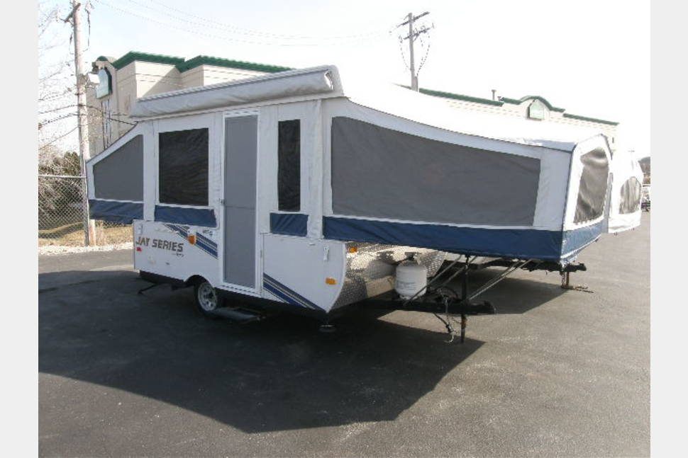 2010 Jayco 1007 Pop Up Camper - 2010 jayco 1007 pop up camper. Light and Easy to tow