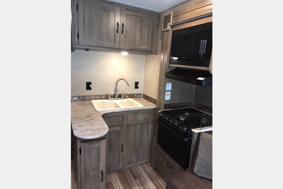 2017 Coachman Freelander 31BH - Great value with bunk houses