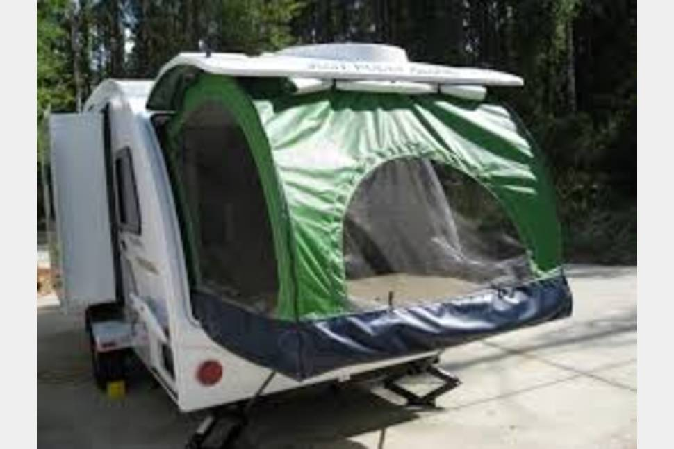 2014 RPod-176T - A moving studio apartment - The Pad