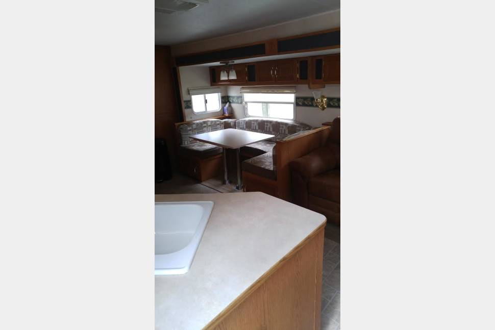 2004 Timberlodge 304 BS - The Camper