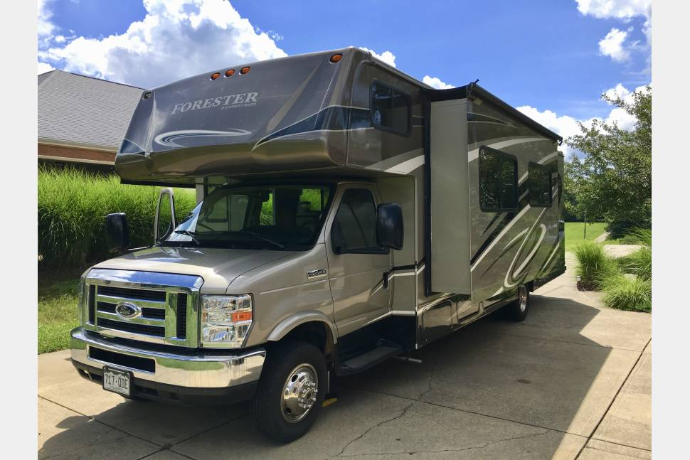 2014 Forest River Forester Model 3011DS - Ultimate Family Vacation 32 Foot RV
