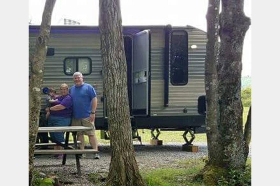 2017 Forest River Cherokee - Sweet Retreat