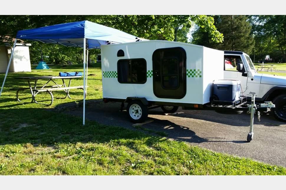 2018 My Mini Trailer Carpe Diem Mini 750lbs W/ Solar Panel - MyMiniTrailer Carpe Diem Mini 2017 Light camper you can tow with your 4 cylinder car! Fully Loaded
