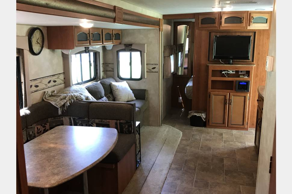 2011 Coachman Freedom Express 292BHDS - Terrell's Biggie Riggie Bunk House