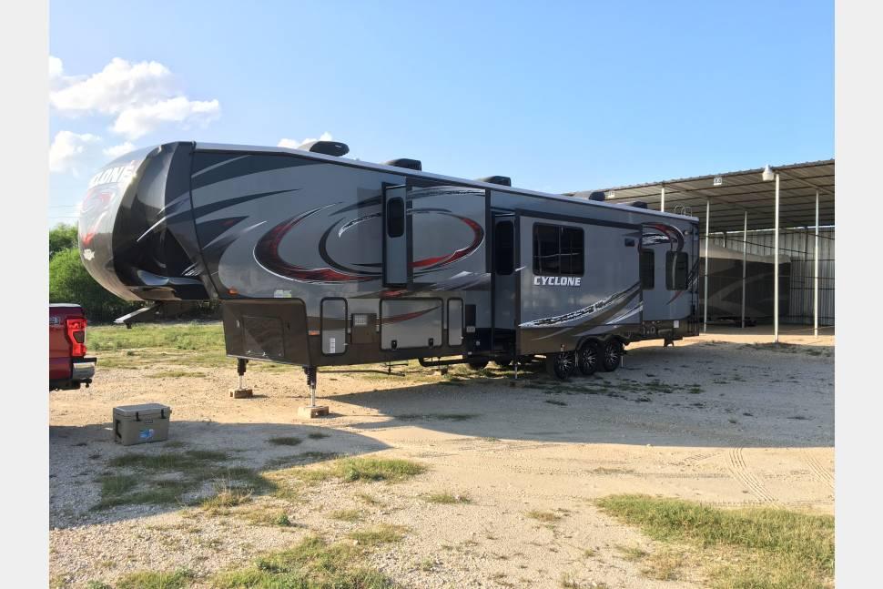 2015 Heartland Cyclone 4150 - Toy Hauler or Family Vacation RV
