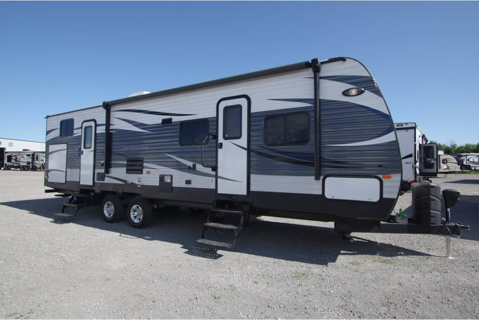 2015 Springdale 303 BH - Travel trailer with 2nd bedroom