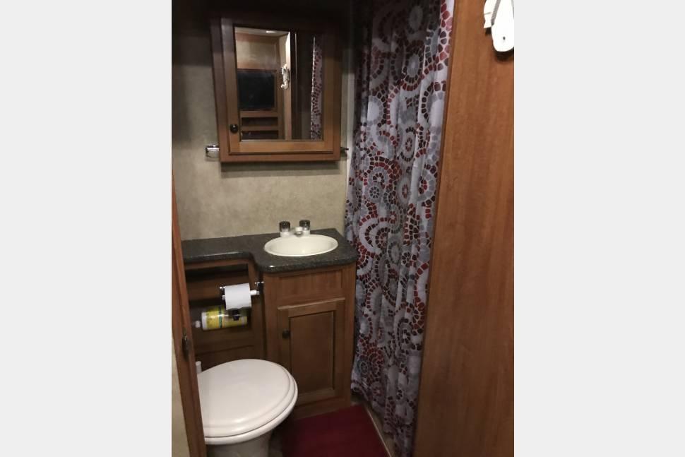 2011 Elkridge E26 - Burgey Bunkhouse
