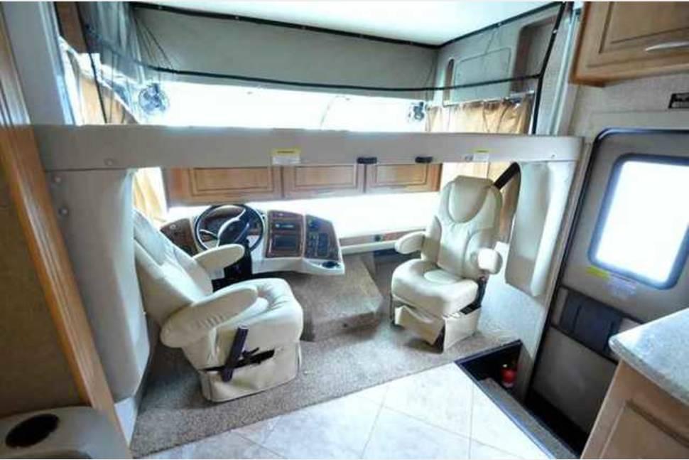2016 COACHMEN MIRADA 32UD - 2016 32' Class A Coachmen Mirada