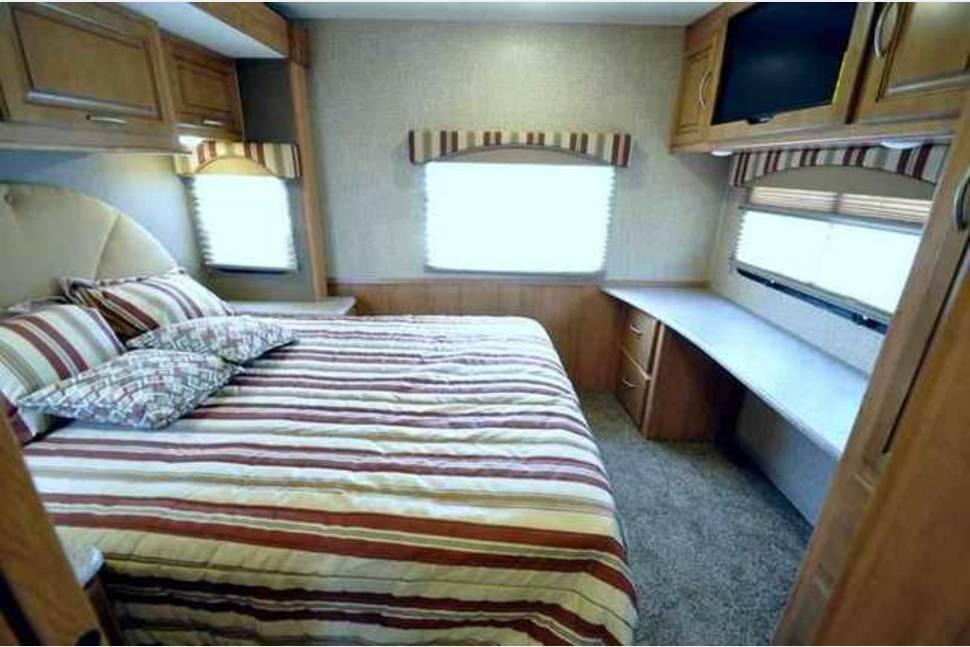 2016 COACHMAN MIRADA 32UD - 2016 32' Class A Coachman Mirada