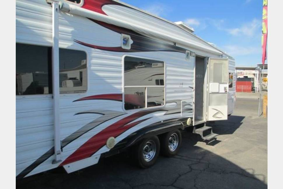 2008 Weekend Warrior Toyhauler - Ultimate Family Adventure, Ultimate toy hauler