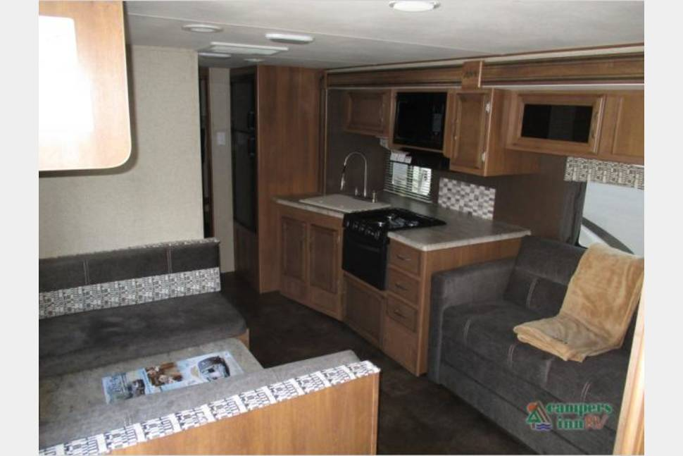 2016 Apex By Coachmen 300BHS - The Ultimate Family Vacation Machine