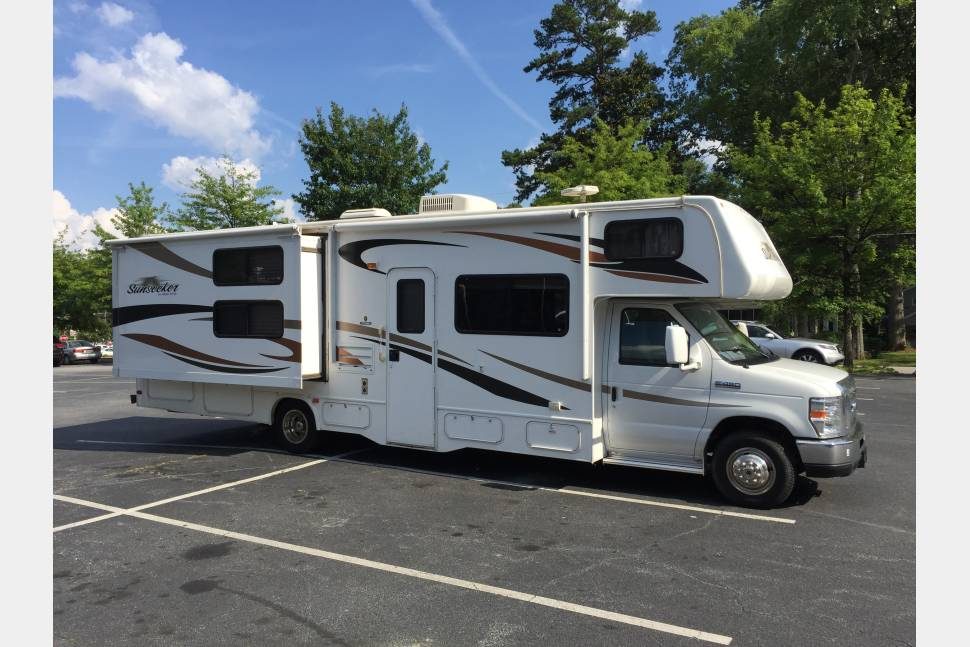 2012 Forest River Sunseeker 32ft - The Perfect Family Getaway