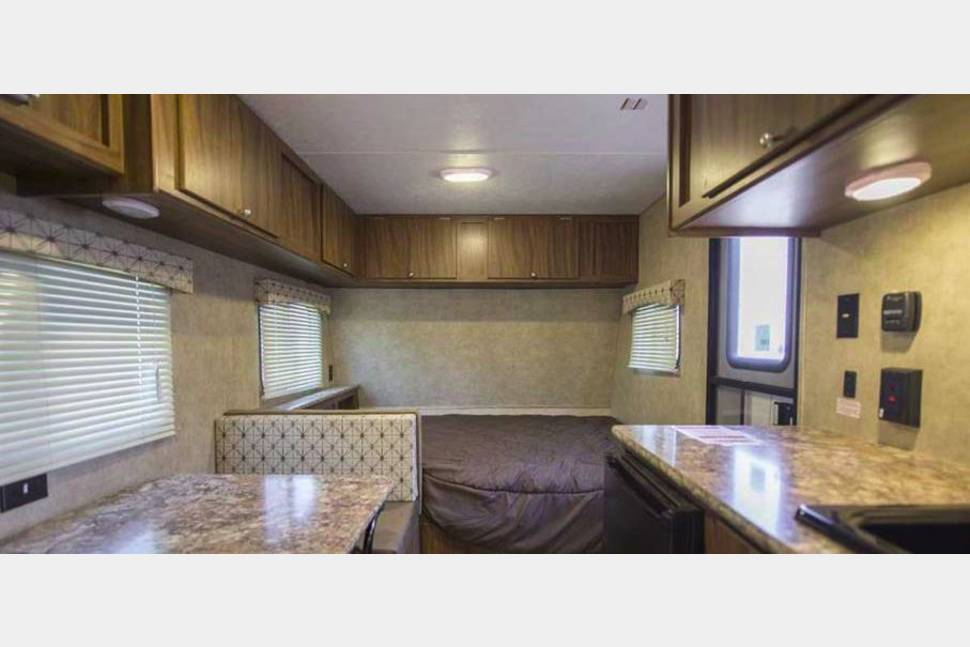 2017 Coachmen Viking 17SBH - Family Fun & Light Tow - 2017, 22', Sleeps 5, 2,694 .lbs (dry)