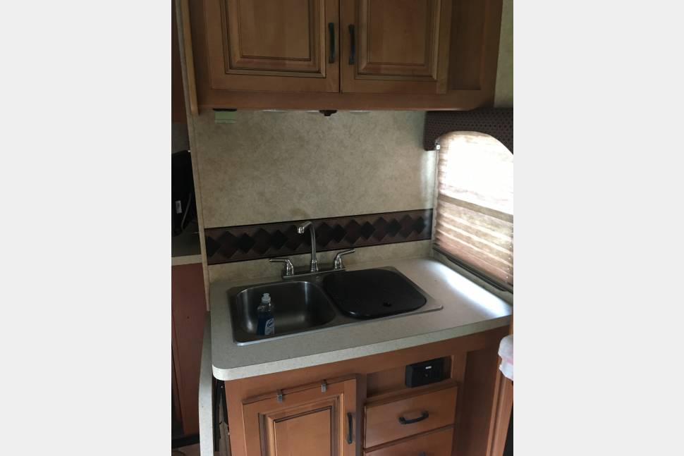 2013 Forest River Forester 3171DS - Great Times Ahead! Great RV for a weekend or road trip.