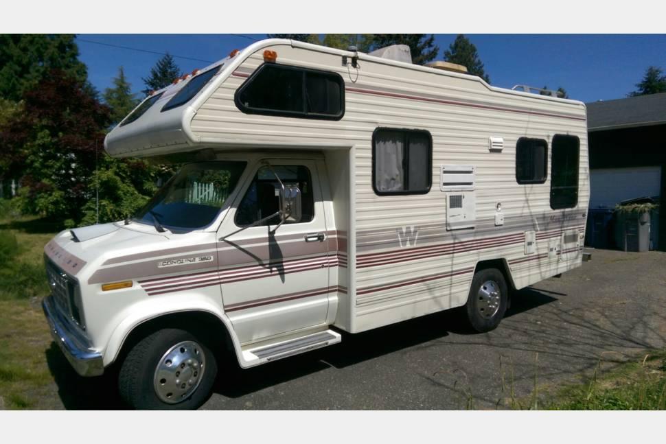 1987 Winnebago Minnie Winnie, RV Rental In Seattle WA