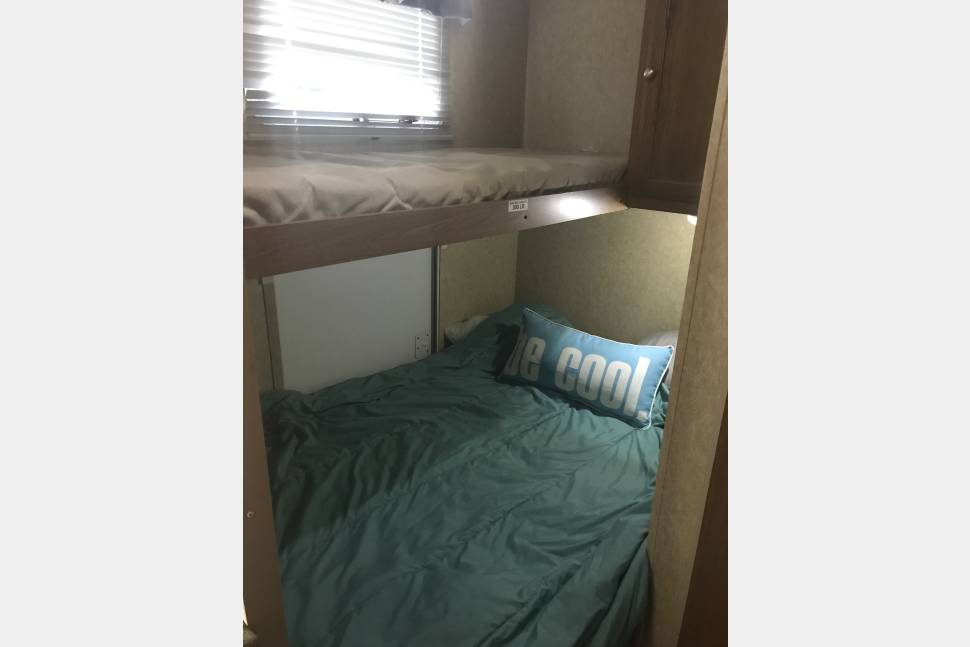 2010 Dutchman Sport - Camper to rent for families, business travelers, and family reunions